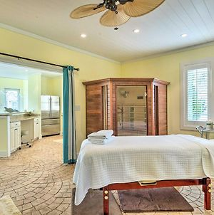 Waterfront Cottage With Spa Room & Pool Access! photos Exterior