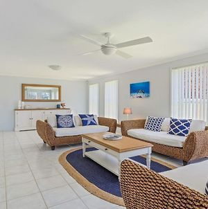 Azure Waters - Perfectly Positioned With Ocean Views photos Exterior