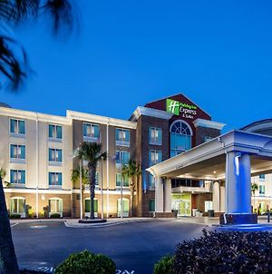 Holiday Inn Express Hotel & Suites Florence I-95 @ Hwy 327 photos Exterior