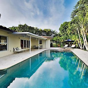 Tropical Retreat - Heated Pool, Spa, Walk To Beach Home photos Exterior