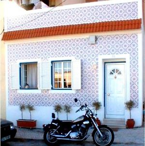 Lisbon Full Private Home Just For You, With Free Parking photos Exterior