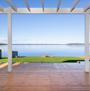 Tranquility Absolute Waterfront - Pet Friendly - 10 Mins To Hyams Beach photos Exterior