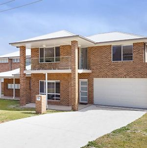 5B Bent Street - Large House With Ducted Air Con, Wifi & Foxtel photos Exterior