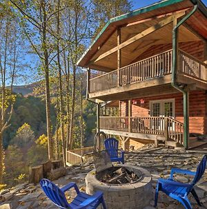 Four Season Family Cabin With Hot Tub, Deck And Views! photos Exterior