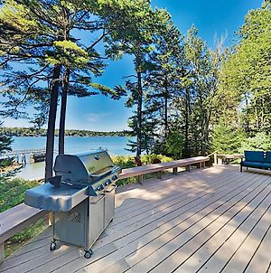 Stunning Waterfront Home With Private Deep-Water Dock Home photos Exterior