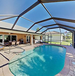 Canal-Front Cape Coral Oasis With Private Pool Home photos Exterior
