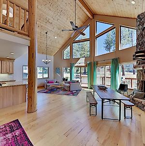 New-Build Chalet With Mountain Views & Hot Tub Home photos Exterior