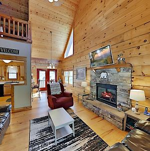 Scenic Hide-A-Way Cabin - Private Hot Tub & Pool Home photos Exterior