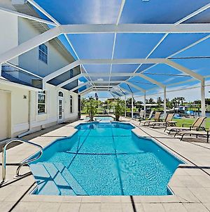 Villa Euphoria - 2-Unit Canal Retreat With Pool Home photos Exterior