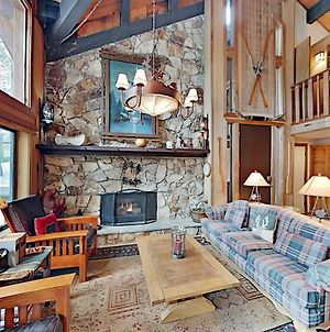Grand Mountain Lodge With Tahoe Donner Amenities Home photos Exterior