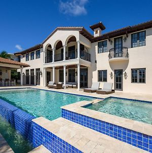 Luxe Intracoastal Estate - Pool, Beach & Yacht Dock Home photos Exterior