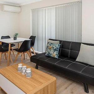Executive 1 Bedroom Suite Close To Foreshore And Cbd photos Exterior