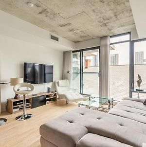 Newly Renovated - Upscale 1Br Loft - Prime King West! photos Exterior