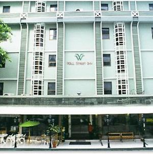 Wall Street Inn, Bangkok photos Exterior