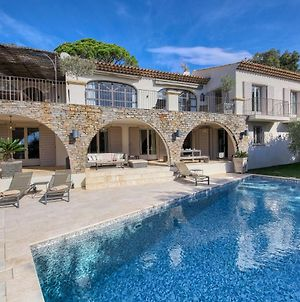 Lavish Holiday Home In La Croix-Valmer With Swimming Pool photos Exterior