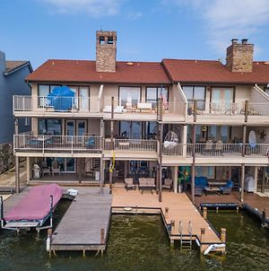 Luxury Townhome With Private Boat Slip, Relaxing Lake Views And Lake Access photos Exterior