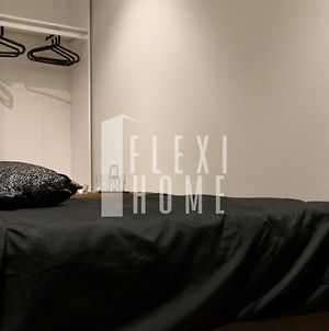 Netflix Ready, 9Am-5Pm, Same Day Check In And Check Out, Work From Home, Private And Comfy Home, Sky Suites Klcc Flexihome-My (Adults Only) photos Exterior