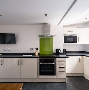 Beautiful 1-Bed Apartment In Sheffield photos Exterior