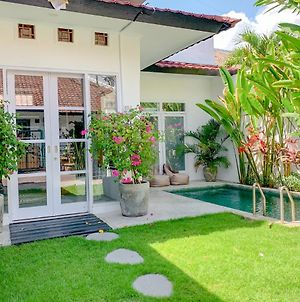 1 Bedroom Villa With Private Pool In Berawa Area photos Exterior