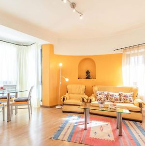 Guestready - Bright And Colorful Apartment In Ajuda photos Exterior