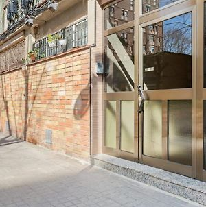 Bright & Comfortable Apartment With Great Transportation Links In Barcelona photos Exterior