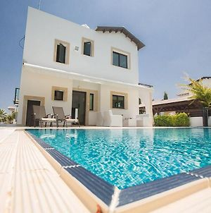 Villa Konno - Stunning 3 Bedroom Protaras Villa With Pool - Close To Konnos Beach photos Exterior