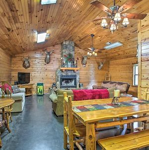 Pet-Friendly Cabin Retreat With Private Hot Tub photos Exterior