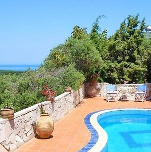 Villa In Ano Stalos Sleeps 7 With Pool And Air Con photos Exterior