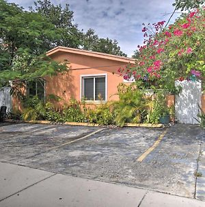Artsy Apt With Yard Less Than 3 Mi To Hallandale Beach! photos Exterior