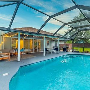 Modern Jensen Beach Home With Pool And Fire Pit! photos Exterior