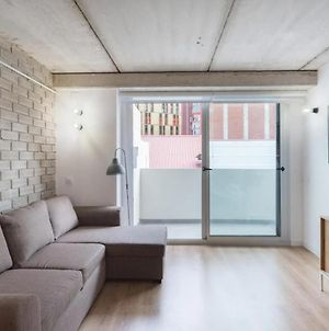 Bright And Modern 3 Bedroom Apartment Close To Barcelona photos Exterior