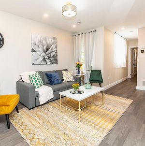 Prime Location - Luxury 1Br With King Bed - Steps From Byward Market! photos Exterior