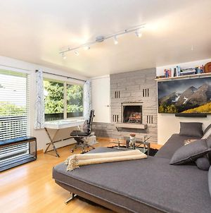 Stylish Two Bedroom - Close To Everything! photos Exterior