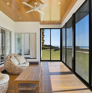 Abode On Bilinga - Absolute Beachfront Holiday Home Walk Over The Sand Dunes To The Ocean photos Exterior
