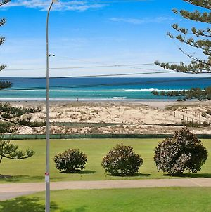 Kirra Vista Apartments Unit 18 - Right On The Beach In Kirra With Free Wi-Fi photos Exterior