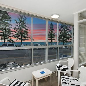 Rainbow Pacific Unit 2 - Right On The Beach In Rainbow Bay Coolangatta Gold Coast photos Exterior