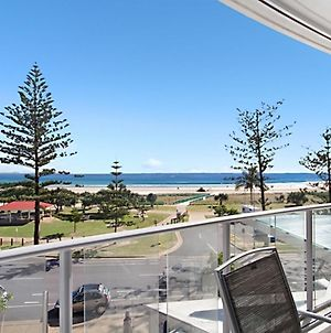 Reflections Tower 2 Unit 304 - Beachfront, Views, And A Great Location Wi-Fi Included photos Exterior