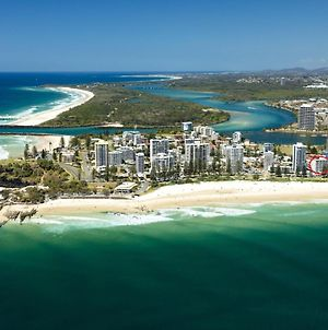 Rainbow Pacific Unit 8 - Great Value Unit Right On The Beachfront Rainbow Bay Coolangatta With Wifi photos Exterior