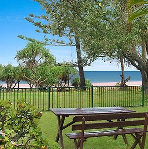 Shoreside Unit 1 - Absolute Beachfront Ground Level Unit In Tugun - Wi-Fi Included photos Exterior