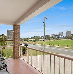 Tumut Unit 1 - Great Unit In A Central Location To Beaches, Clubs And Shopping photos Exterior