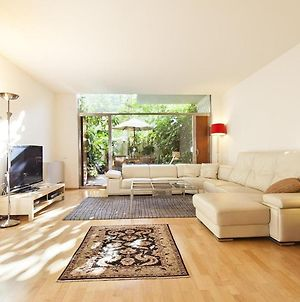 Apartment With 4 Bedrooms In Barcelona With Enclosed Garden And Wifi photos Exterior
