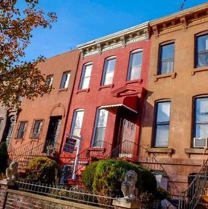 Apartment Lovely Historic Brownstone photos Exterior