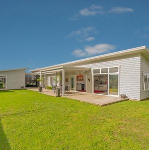 The Summer Stunner - Whitianga Holiday Home photos Exterior