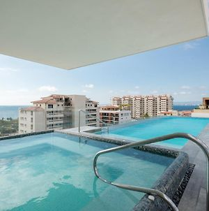 Loft 268 Ocean Views Spacious Balcony Rooftop Pool photos Exterior