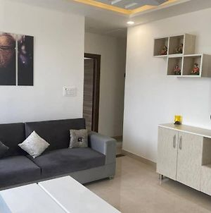 River View Luxurious 2Bhk With Huge Terrace photos Exterior