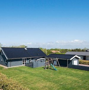 Three-Bedroom Holiday Home In Gilleleje 4 photos Exterior