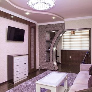 Uutnaya Apartments In Centre Goroda. Cozy Appartment In The Centre Of Tashkent. photos Exterior