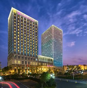 Crowne Plaza Wuhan Development Zone, An Ihg Hotel photos Exterior