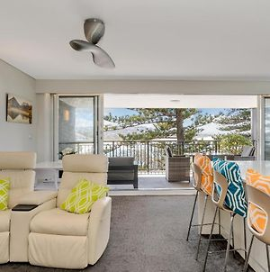 Beachfront Apartment - Sand Surf & Waves photos Exterior