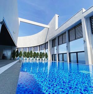 Fully-Equipped Luxury Apartment With Ocean View photos Exterior